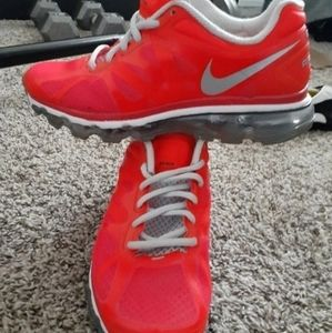 Nike Airmax Women size 7 Coral orange